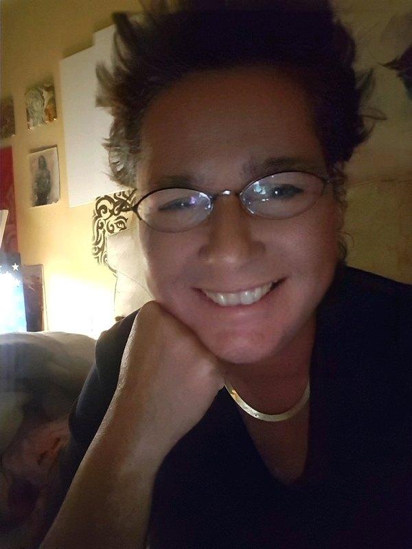 Andrea: Hi.. | Duisburg Senior Chat